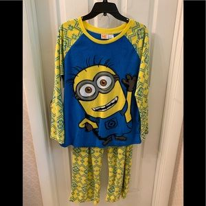 Despicable Me Minion Winter Pajama Set-L